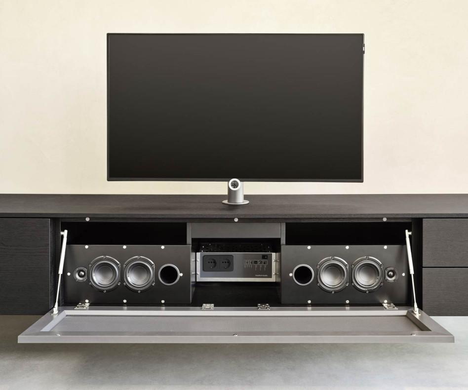Exklusive Livitalia Design Wohnwand C51 mit Lautsprechergitter in Braun Matt