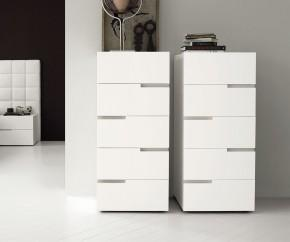 schmale design hochkommoden mit schubladen. Black Bedroom Furniture Sets. Home Design Ideas
