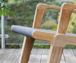 Moderner Oasiq Skagen Design Liegestuhl Detail bespannte Sitzfläche