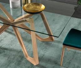 Hochwertiger Design Esstisch Ozzio Papillon Detail Glasplatte und Tischbeine transparentes Glas