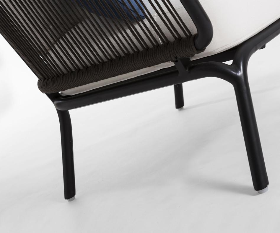 Exklusives Oasiq Yland 2er Design Sofa mit Rahmen aus Aluminum in Anthrazit