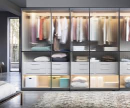 Moderner Designer Novamobili Kleiderschrank Layer Glasschiebetüren mit LED Beleuchtung
