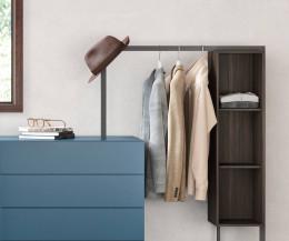 Moderne Designer Kommode Easy 4 mit Garderobe im Detail Metallwinkel