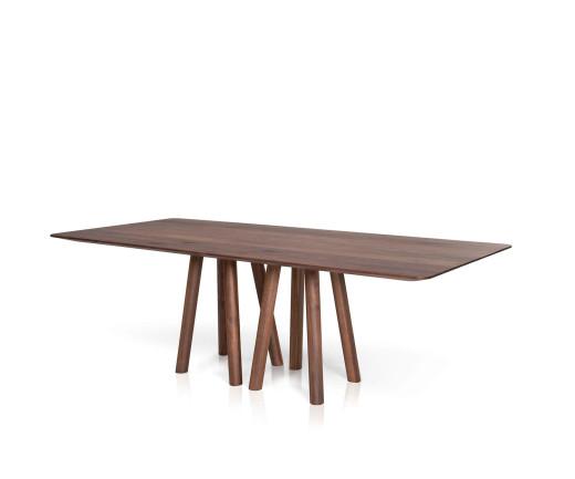 Hochwertiger Design Esstisch in Eiche massiv mit Stühlen im Esszimmer