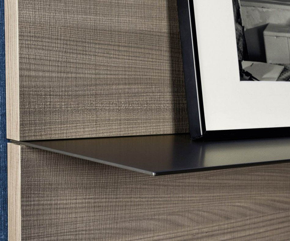 Exklusive Livitalia Design Wohnwand C36 mit Glasvitrine und TV Wand Paneel