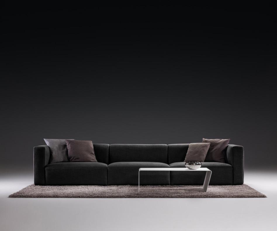 Modernes Prostoria Design Sofa Match in Grau im Wohnzimmer
