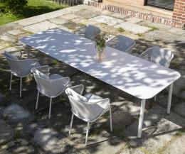 Todus Condor Design Gartenstuhl mit weißem Gestell und weißen Kissen