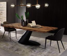 Moderner Ozzio Design Stuhl Betta Leder Schwarz im Esszimmer am Tisch platziert