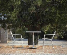 Moderner Design Bistrotisch Branta quadratisch von Todus mit weißer Keramik Tischplatte