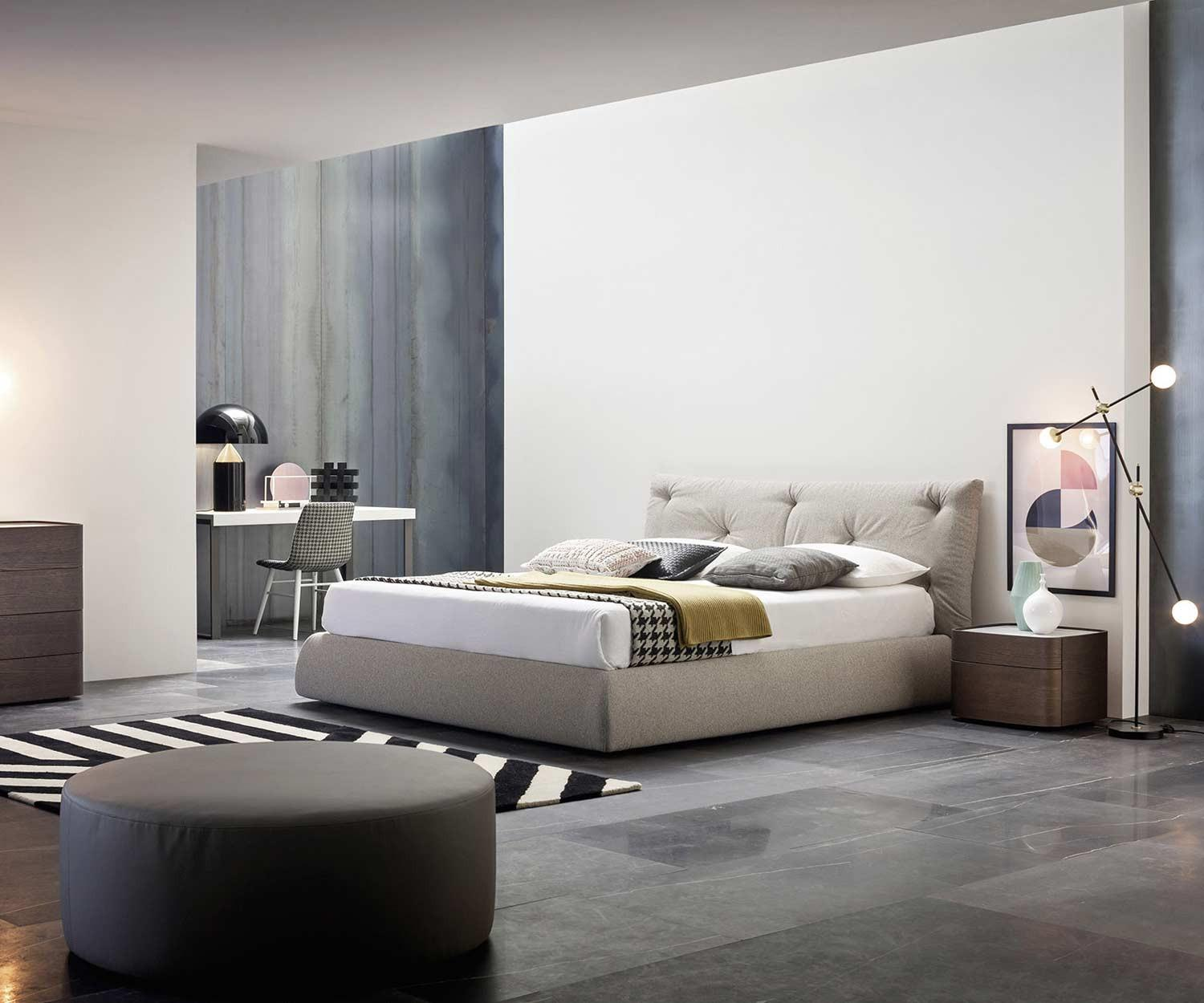designer betten kleines ideen designer bett mit bettkasten bilder das sieht elegantes gerumiges. Black Bedroom Furniture Sets. Home Design Ideas