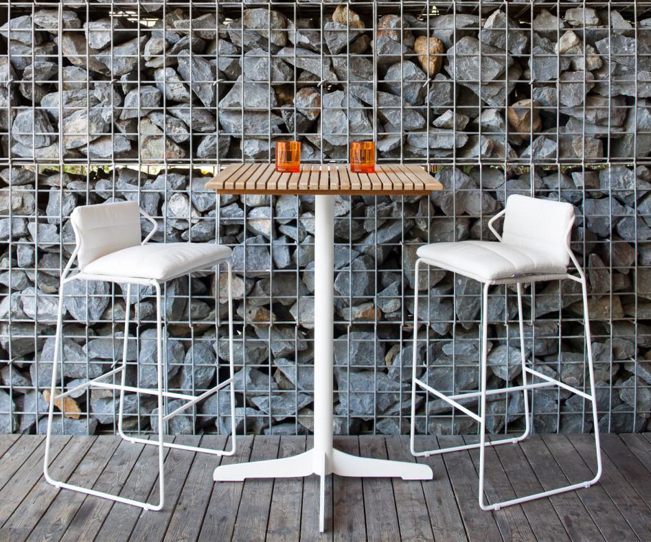 Exklusiver Oasiq Ceru Designer Bartisch Gestell Weiß Teak Holz Tischplatte mit Barstühlen