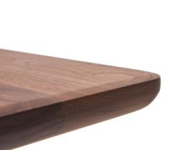 Conde House Ten Designer Tisch im Detail im Kantenprofil der Walnuss-Tischplatte
