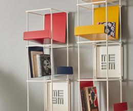 Libro vertikales Wand Bücherregal mit farbigen Haltern