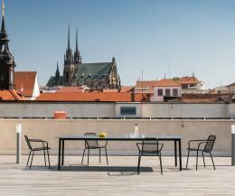 Moderner Todus Starling Design Gartentisch in Antrzait mit HPL Tischplatte in Dunkelgrau