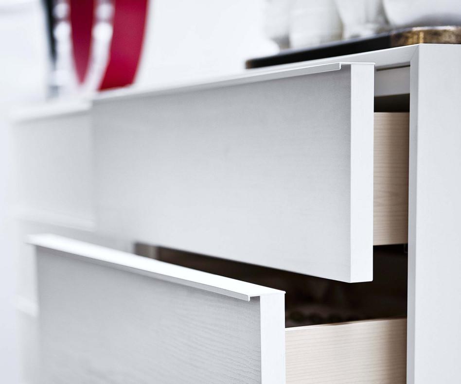 novamobili kommode 6 schubladen mit fu. Black Bedroom Furniture Sets. Home Design Ideas