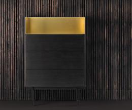 Design Hochkommode in dunkelgrau gebeizter Eiche furniert Abdeckplatte in Gold