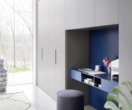 Moderner Kinderzimmer Kleiderschrank Vico mit Schreibtisch in Blau