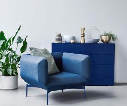 Prostoria Design Sessel Segment mit blauem Stoffbezug im Esszimmer