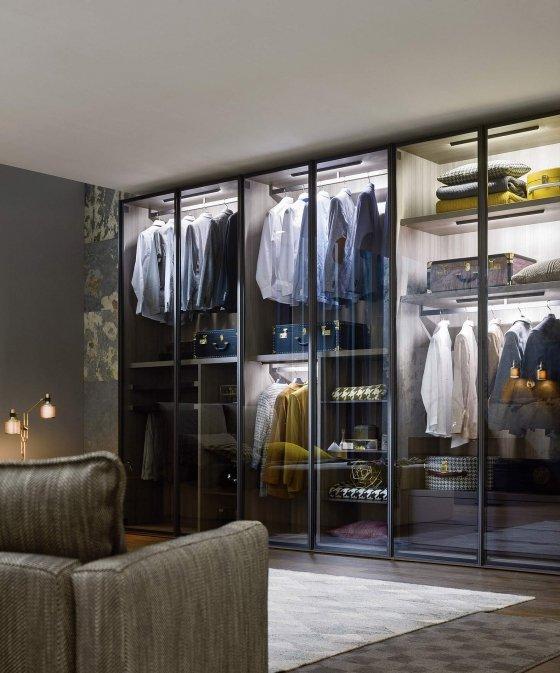 Kleiderschrank design  Design Schrank mit Türen in Holz und Lack
