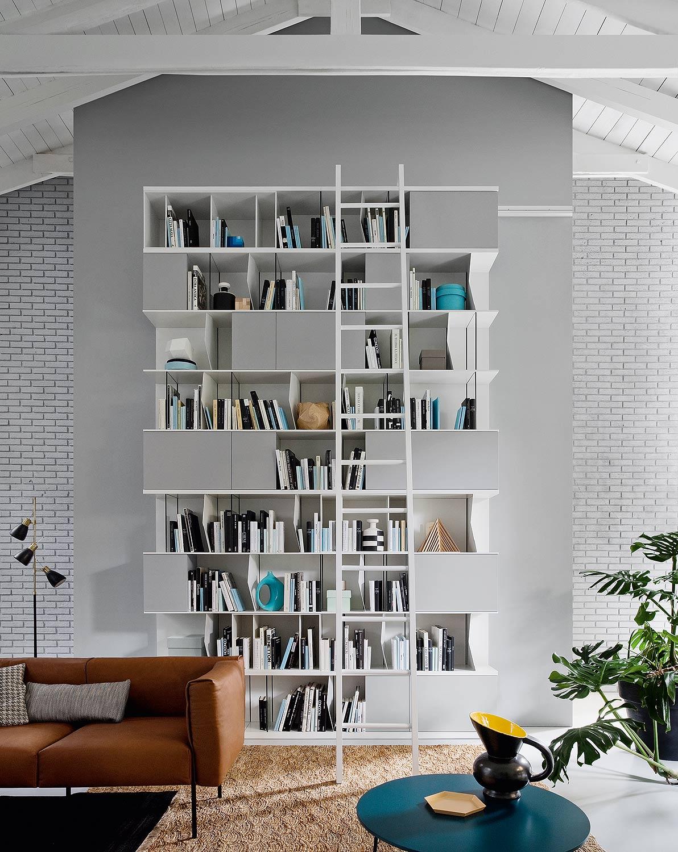 b cherregal mit leiter swalif. Black Bedroom Furniture Sets. Home Design Ideas