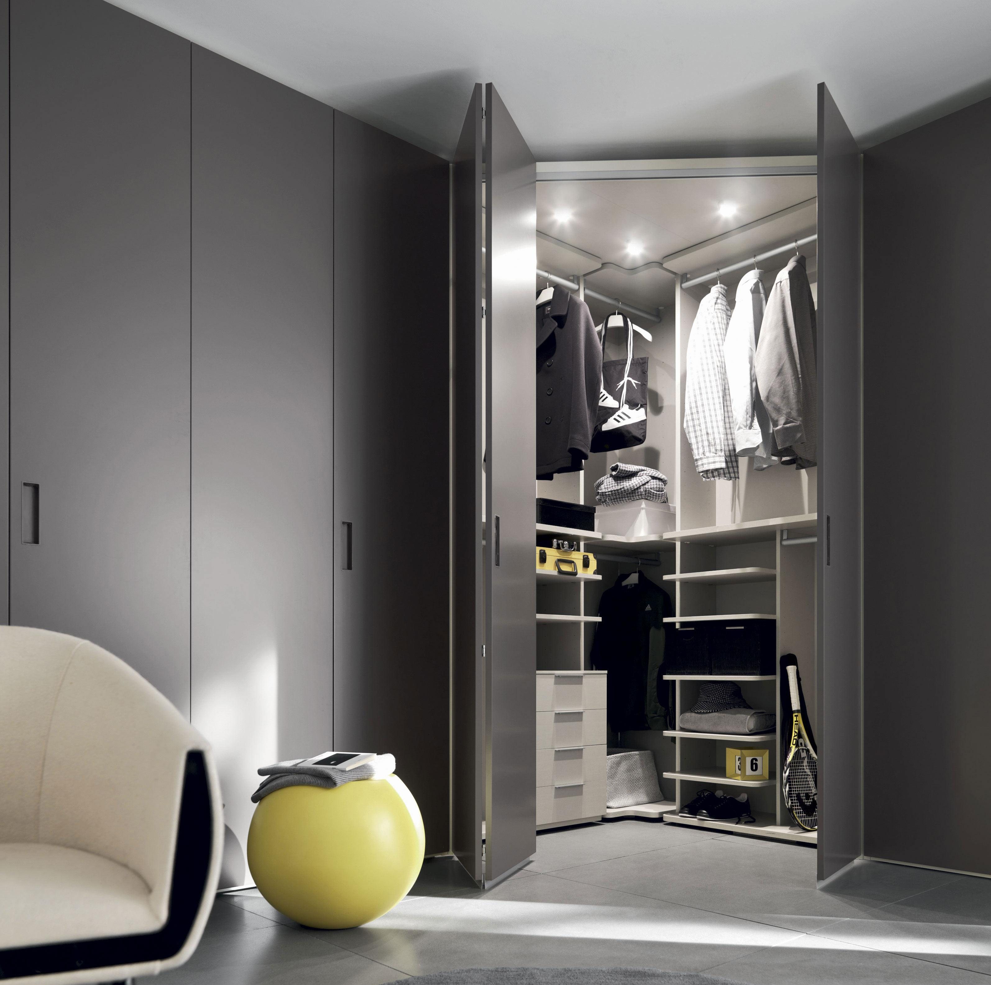 eckkleiderschr nke im trend platz richtig nutzen. Black Bedroom Furniture Sets. Home Design Ideas