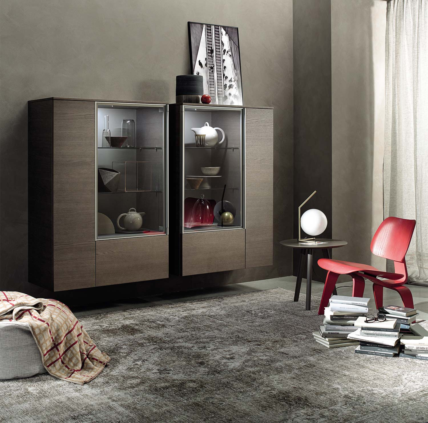 vitrinen glasschr nke wieder im trend livarea. Black Bedroom Furniture Sets. Home Design Ideas