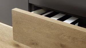 Welche Vorteile hat die furnierte Spanplatte/MDF-Platte gegenüber Massivholz?