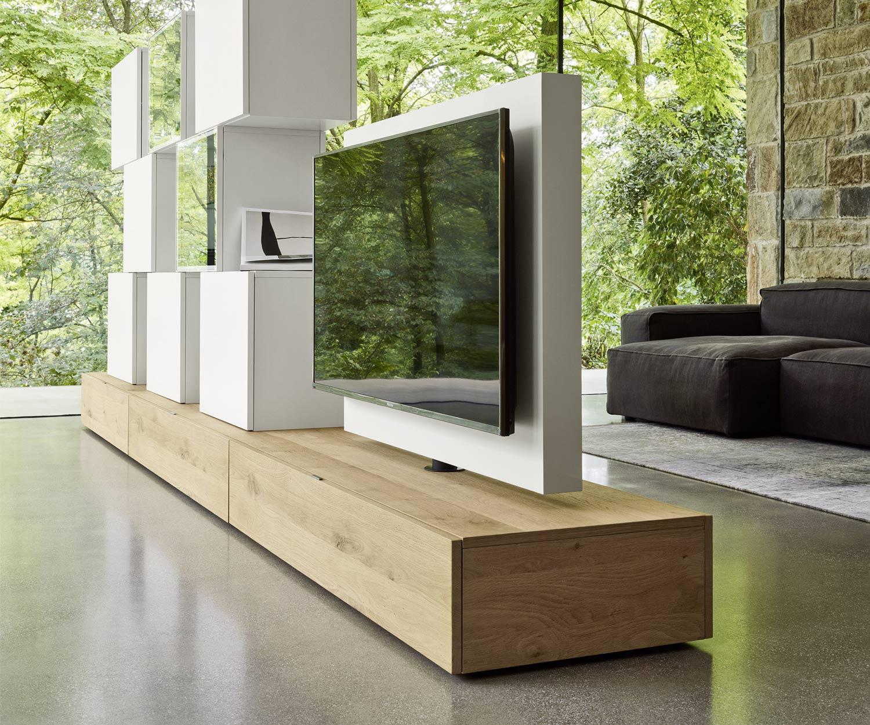 Das Livitalia Roto Lowboard ist ideal als Küchenfernseher für offene Wohnküchen
